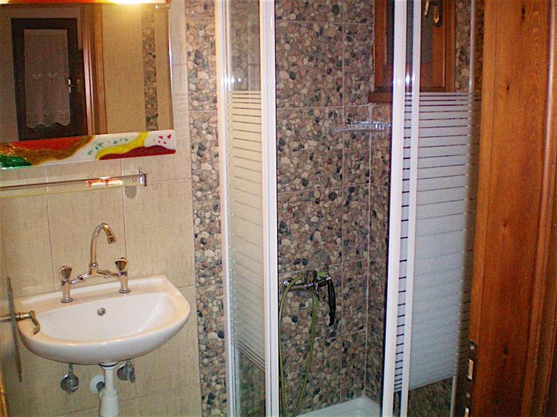 room 117 WC